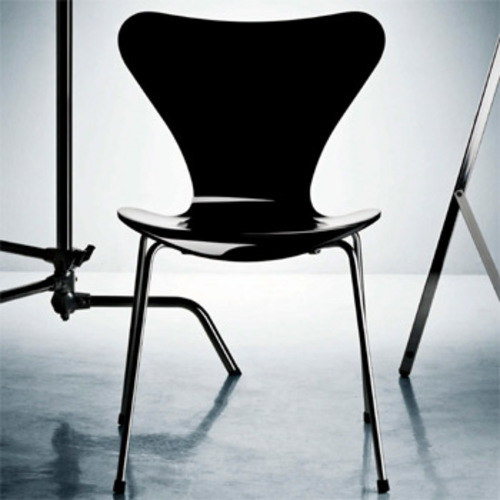 serie 7 3107 stuhl hochglanzlackiert arne jacobsen fritz hansen design. Black Bedroom Furniture Sets. Home Design Ideas