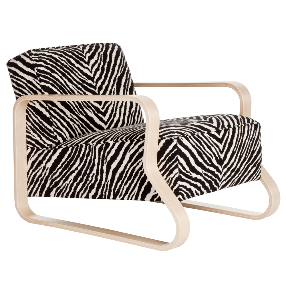 artek sessel 44 zebra chair alvar aalto birke natur stoffbezogen design. Black Bedroom Furniture Sets. Home Design Ideas