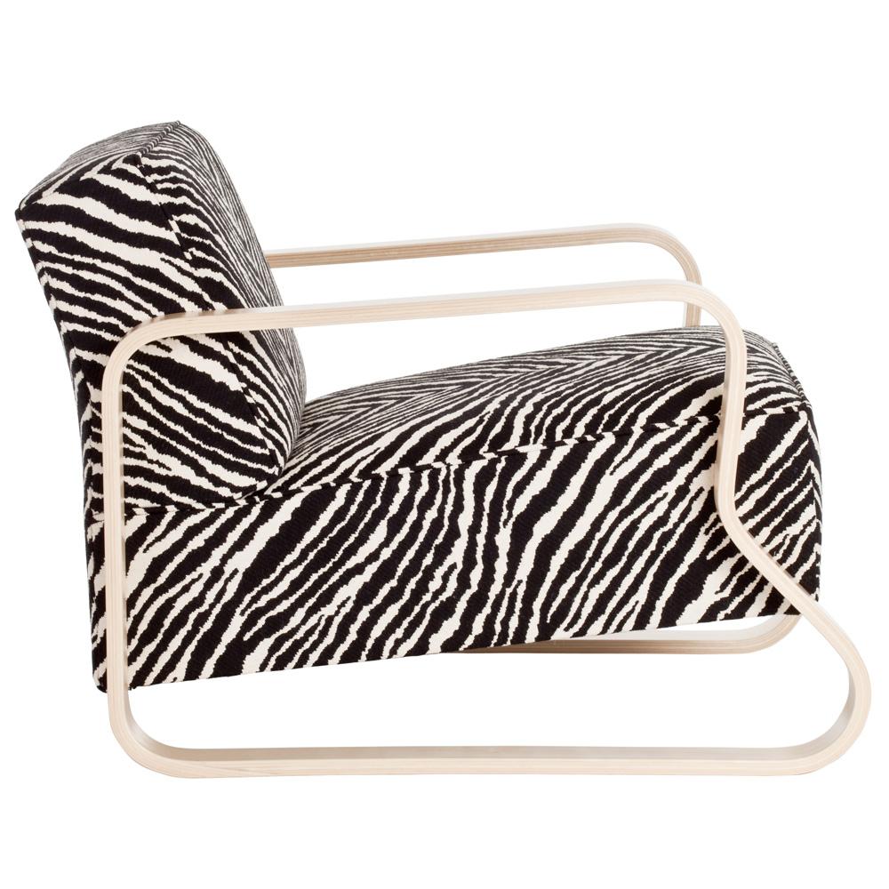 artek sessel 44 zebra chair alvar aalto birke natur stoffbezogen design. Black Bedroom Furniture Sets. Home Design Ideas