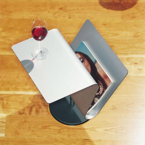 pieperconcept club zeitungsablage beistelltisch wei zeitschriftenst nder. Black Bedroom Furniture Sets. Home Design Ideas