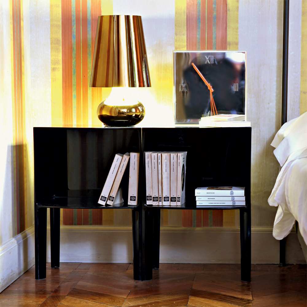 kartell small ghost buster kommode schwarz nachttisch philippe starck. Black Bedroom Furniture Sets. Home Design Ideas