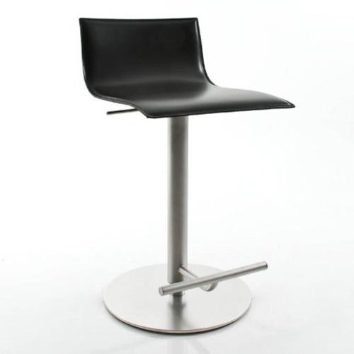 lapalma thin barhocker leder schwarz barstuhl karri monni edelstahl. Black Bedroom Furniture Sets. Home Design Ideas