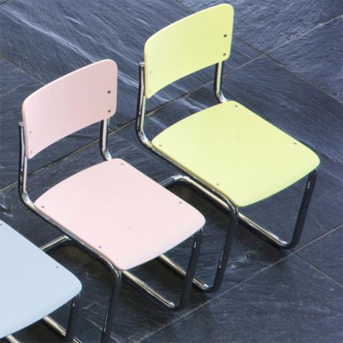 thonet s 43 k kinderstuhl freischwinger. Black Bedroom Furniture Sets. Home Design Ideas