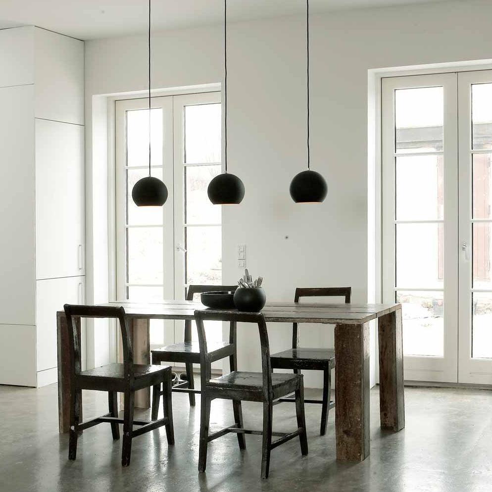 topan vp6 schwarz gold deckenleuchte tradition verner panton. Black Bedroom Furniture Sets. Home Design Ideas
