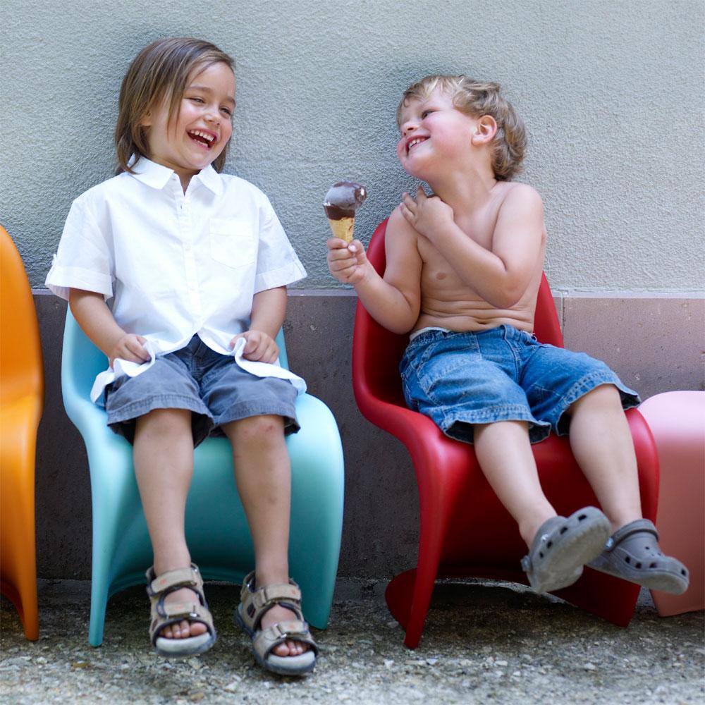 vitra panton junior kinderstuhl hellblau verner blau polypropylen 21019616. Black Bedroom Furniture Sets. Home Design Ideas
