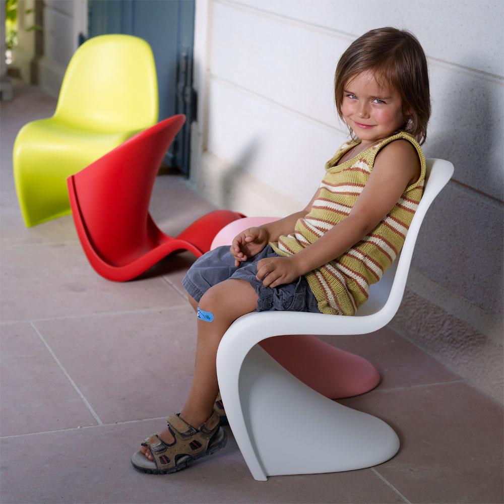 vitra panton junior kinderstuhl wei verner panton matt polypropylen. Black Bedroom Furniture Sets. Home Design Ideas